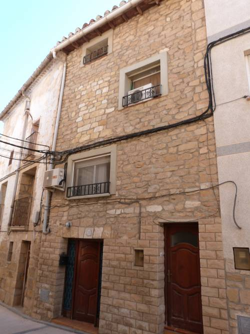 Valdealgorfa - Fit-to-live-in 4 storey house on a 60m2 plot