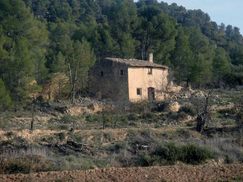 Valderrobres - 4 ha property near the river