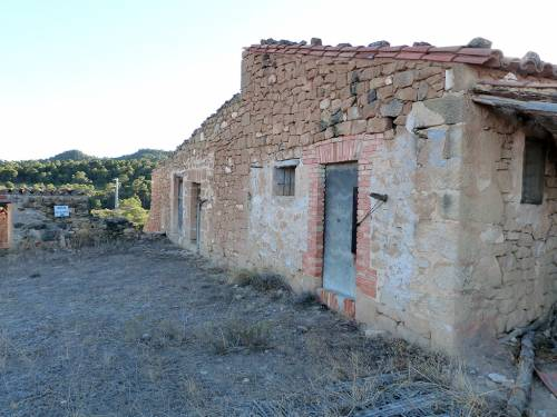 Old cattle farm at 10 km from Alcañiz