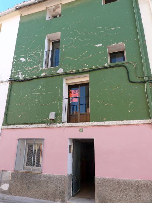 Andorra - Centrally located 4 storey house