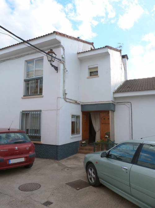 Ariño - Approximately 25 years old house