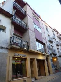 Alcañiz - Building with 5 storeys and a basement