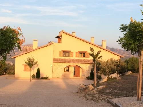Cretas - House on a plot of 40.000m2 farmland