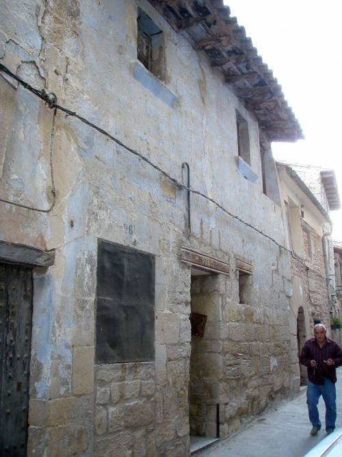 La Fresneda - House with 4 floors to be restored