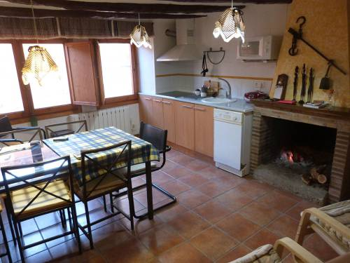 Torre del Compte - Fully restored and furnished six storey house