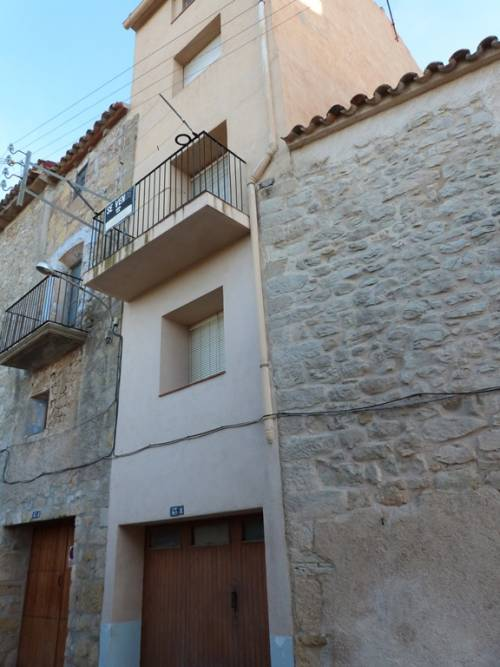 Horta de San Juan - House with access from two streets